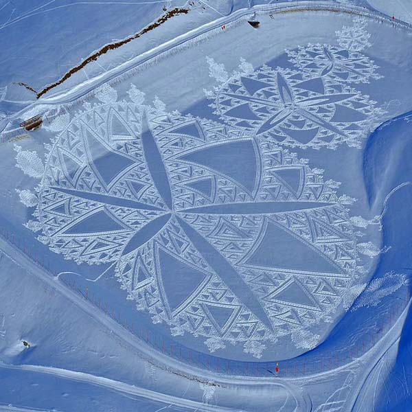 Simon Beck snow art